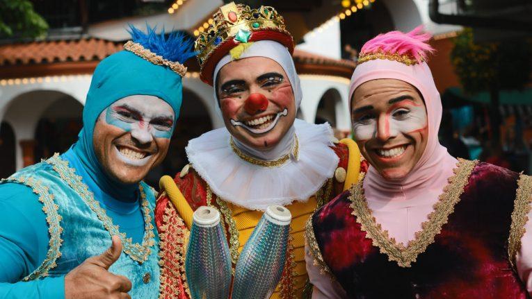 Männer | Kostüme | Jonglage | Zirkus